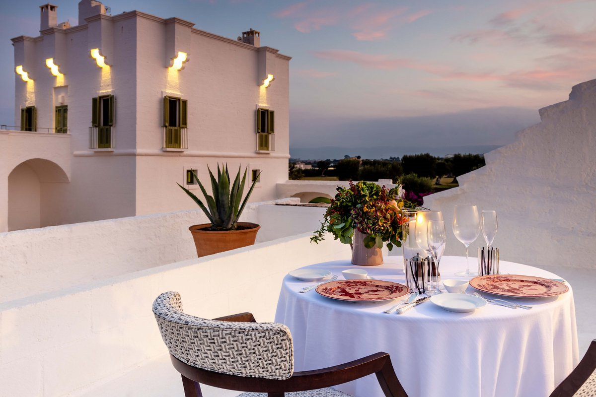 What's better than a romantic dinner? A candlelit dinner for two watching the sunset! We will reopen very soon... stay tuned.  #masseriatorremaizza #puglia https://t.co/ViddwBk70q