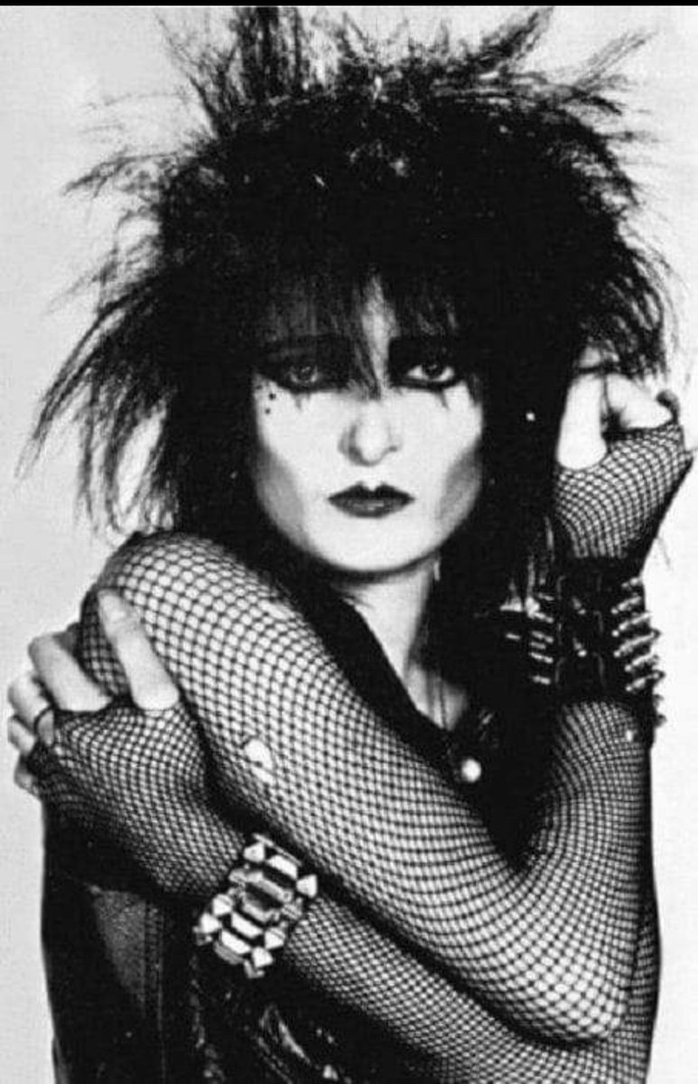 Happy Birthday to the Queen of Goth  Siouxie Sioux   'There is a fun, flippant side to me, of course. But I would much rather be known as the Ice Queen.'   Siouxsie Sioux  #siouxsiesioux #punk #gothicpic.twitter.com/36kEvMVg3G