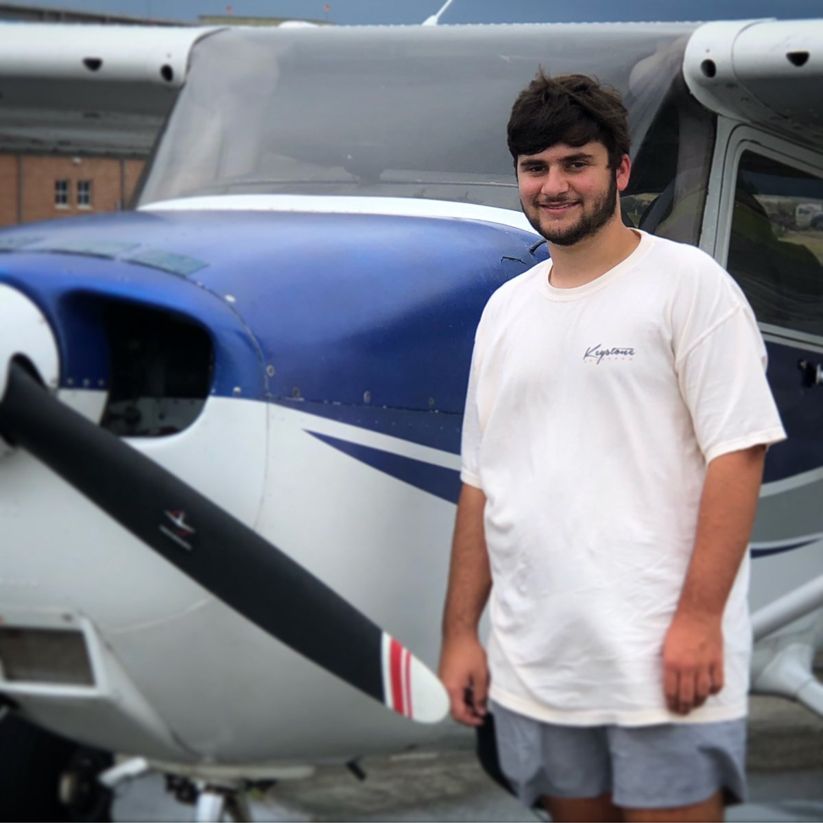 Congratulations to our newest Private Pilot Graduate, Kirk!!! 🎉✈️👍 We're so proud of the work you've put in and know you'll soar! #flynola #nolabyair #learntofly #privatepilot #justplanefun #geauxfly #aviation #avgeek #graduate https://t.co/bzBHL7YJaj