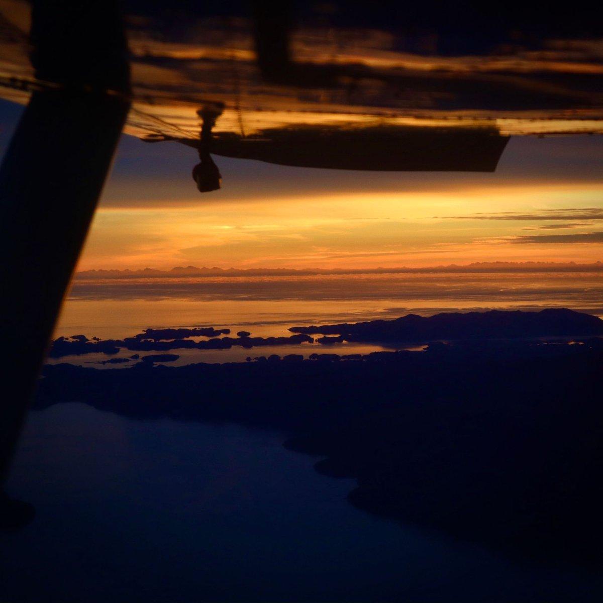 Happy #WingshotWednesday 🛫 #wsw  #AviatorTraining #avgeek #aviation #flying #airplanelovers #aviator #airplane_lovers #airplane #pilot #aircraft #pilotlife #learntofly  #CFI #CFILife  #PilotYourOwnAdventure #airport #travel #flighttraining #wanderlust #sharingalaska https://t.co/kr2tGxRkwl