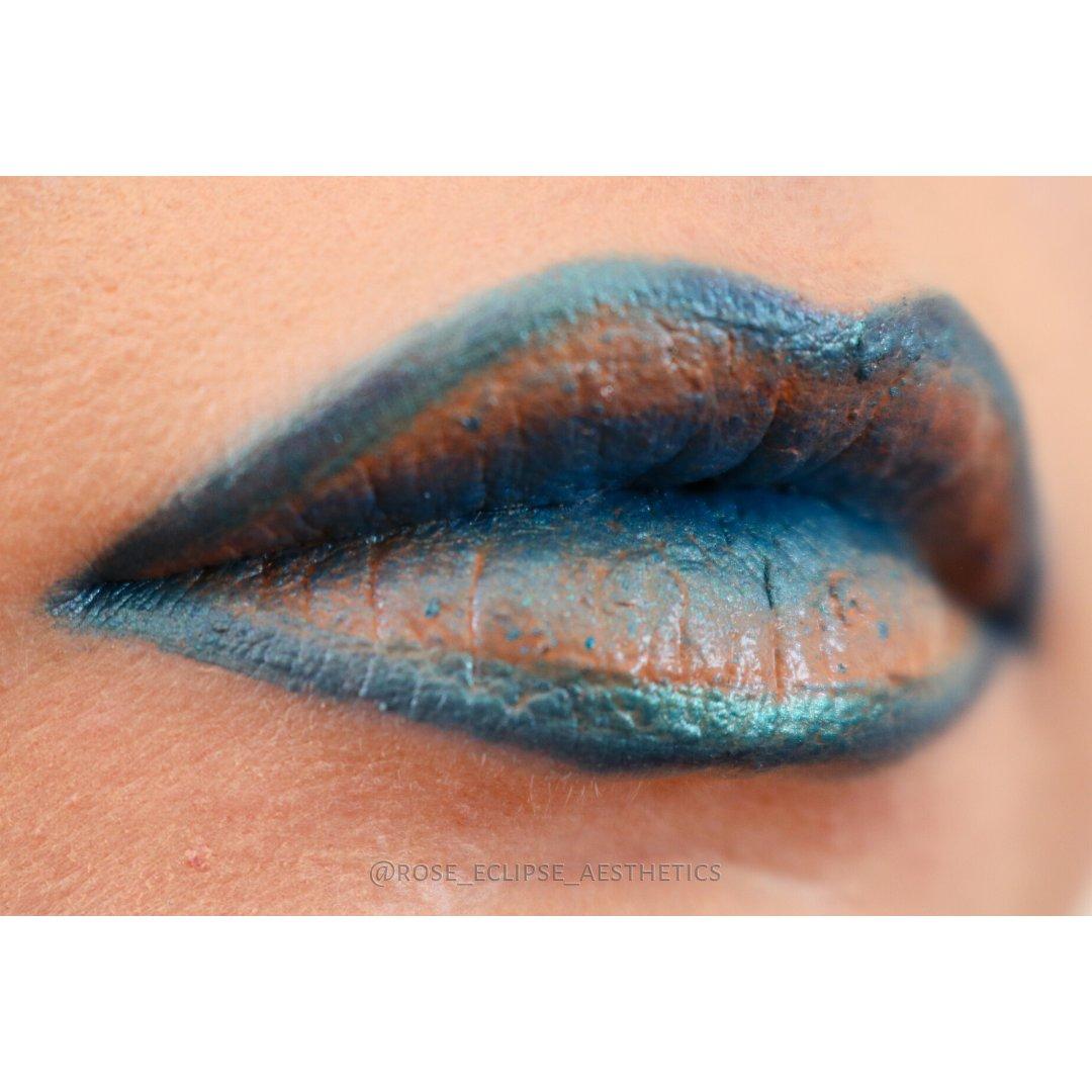 𝓑𝓵𝓾𝓮 𝓛𝓲𝓹𝓼 Living my extraterrestrial fantasy#neutralcolors #Neutral #turquoise #LipArt #Liplook #LipLook #LipMakeup #Peachyhues #BlueTones #Alien #Fanasy #Makeup #BlueLips #BlueMakeup #BlueAesthetic #MakeupAesthetic #AestheticAccount #Aesthetic #CreativeMakeuppic.twitter.com/eQ8qRJEwLD