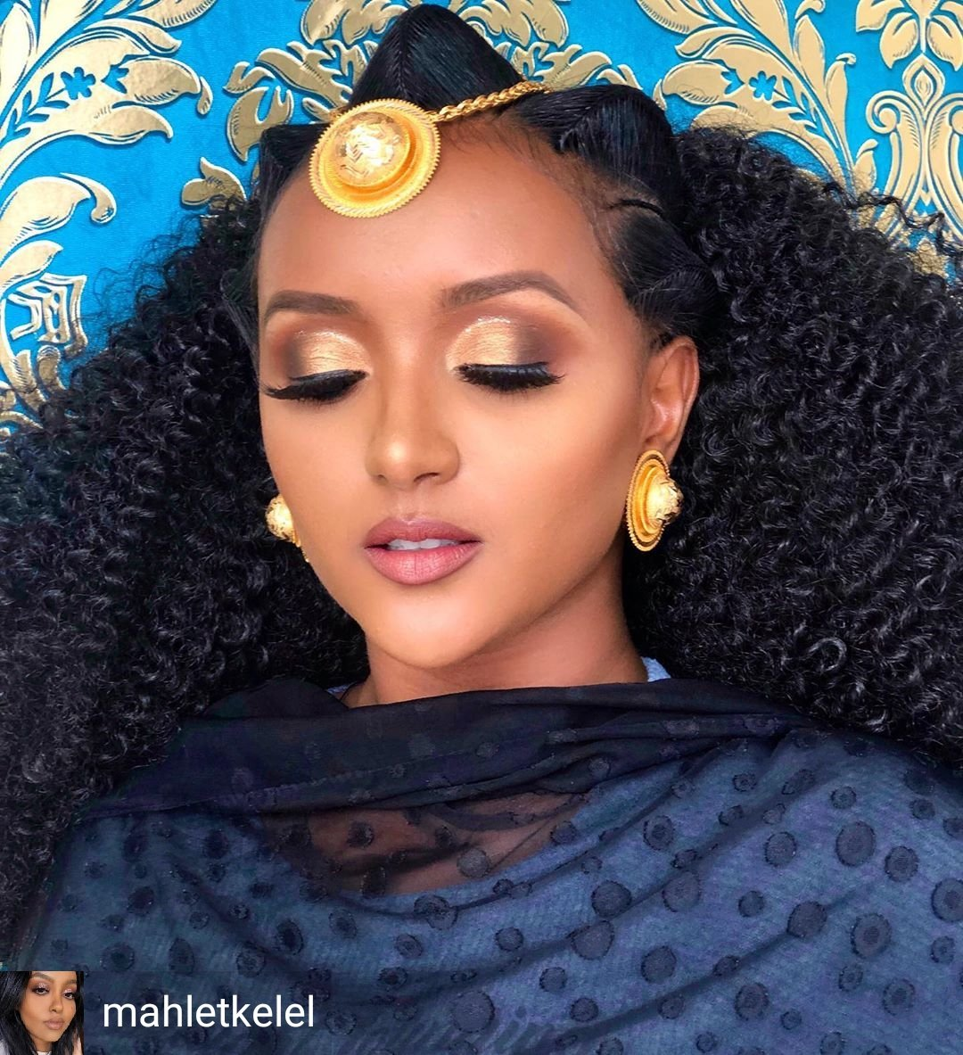 Accessories & Make Up the #EastAfricanWay @mahletkelel  @yem_fryat  Location @mahisbeautybar  Get inspiration for any occasion on the #AfriqOkin app, free on Google play & Apple app store. Download   http:// onelink.to/aptvqj      #AfricanFashionApp #AfricanFashion  #MakeupByMahlet<br>http://pic.twitter.com/eljRkQ1lyh