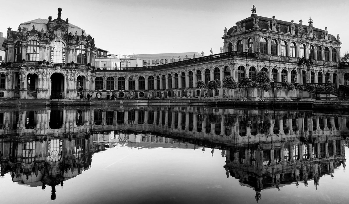The person who looks in the mirror always expects a better picture than it really is  #dresden #photo #photography #blackandwhite #monochrome #visit_dresden #stadt_dresdenpic.twitter.com/qA3jZg0C6n