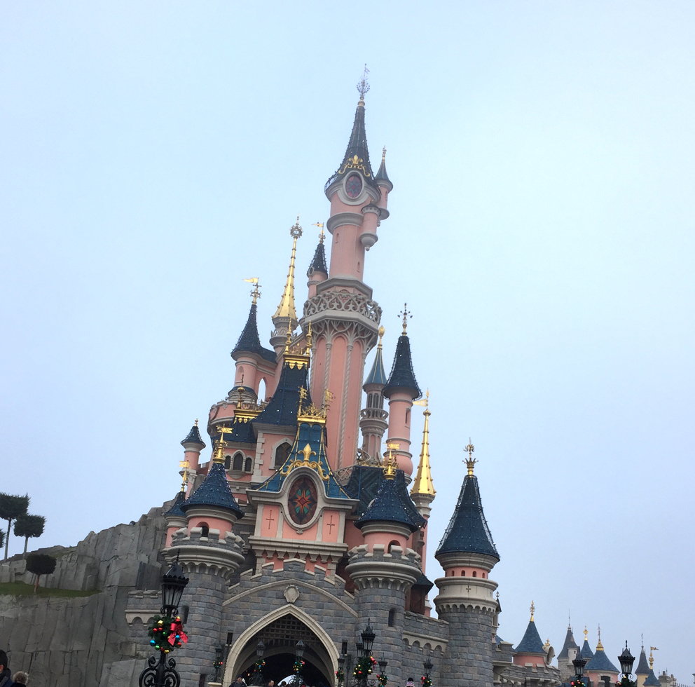Aw.   Miss seeing the Disney Castle.  This is the one in Disney Paris.  #Disneyparks  #DisneyParis<br>http://pic.twitter.com/7sCSSL82DE