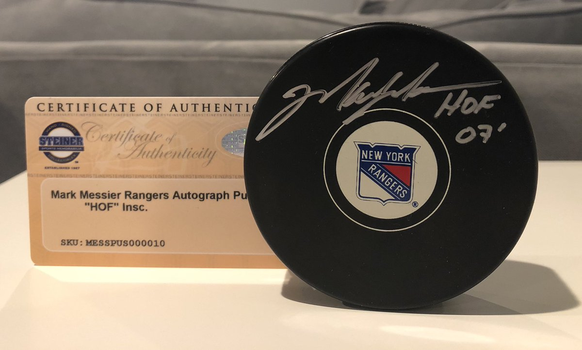 Hanks Last Dance 2020 Giveaway Part 2...Rangers in the playoffs!!Signed Mark Messier HOF 07 Puck in Silver...Follow, Like & Retweet to be considered. 60 Retweets and the winner will be picked. #PlayLikeANewYorker   #NHLPlayoffs #NYR<br>http://pic.twitter.com/UMtIQI4eA2