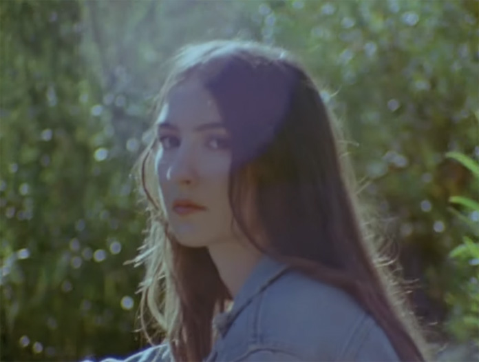 "Weyes Blood (@WeyesBlood, aka Natalie Mering) released a new album, ""Titanic Rising,"" back in April 2019 via @subpop. Now she has shared a self-directed video for the album's ""Wild Time."" It was shot on 16mm before the pandemic and is mildly NSFW. http://www.undertheradarmag.com/news/weyes_blood_shares_self-directed_video_for_wild_time/ …pic.twitter.com/dqY9XSOYCN"