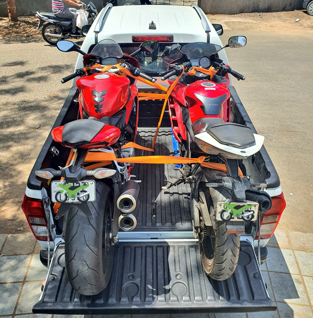 To much horse power #bikelife #bikelover #Ducati #yamaha  @DucatiMotor @yamaharacingcom  @IsuzuDmaxTR @IsuzuIndiapic.twitter.com/lcd6zPdFXF