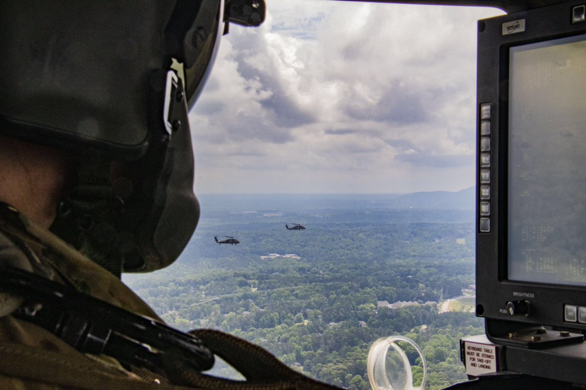 #POTD: Georgia Army National Guardsmen of the Marietta-based 78th Aviation Troop Command conducted a Memorial Day flyover Atlanta to honor fallen heroes and those on the frontline battling #COVID19 on May 25, 2020. pic.twitter.com/HzgFYBHn9v