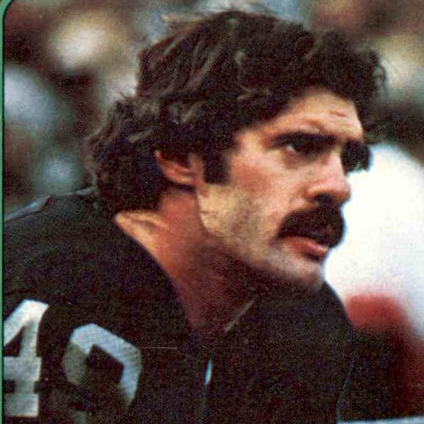 Happy birthday to former #Raiders WR Mike Siani, May 27, 1950. Super Bowl XI champion. <br>http://pic.twitter.com/guYd0pvBye