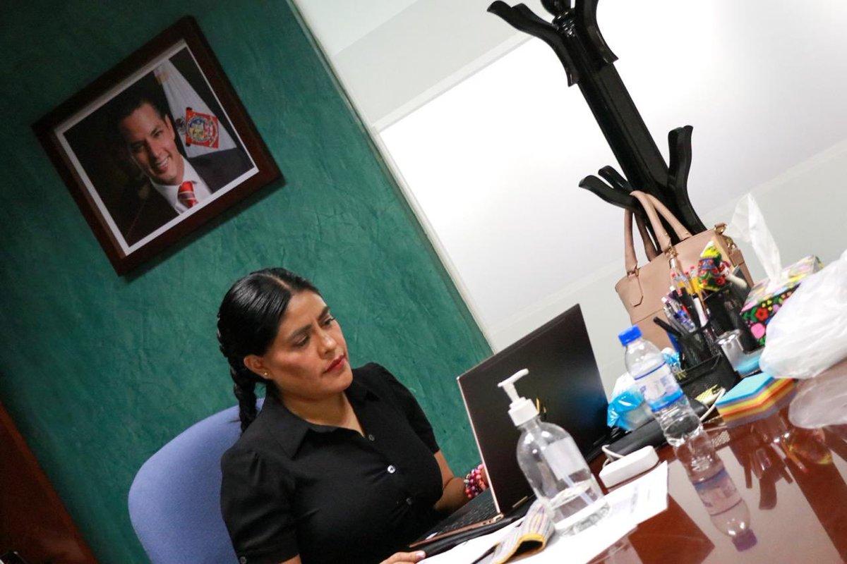 Junto a diversas dependencias del @GobOax, participo en la 5a Sesión del Comité de Prevención del sistema PASEVM; expongo los trabajos que desde la @SEPIA_GobOax hemos emprendido a favor de las mujeres que habitan en las comunidades de #Oaxaca. https://t.co/ImbmbItZ6o