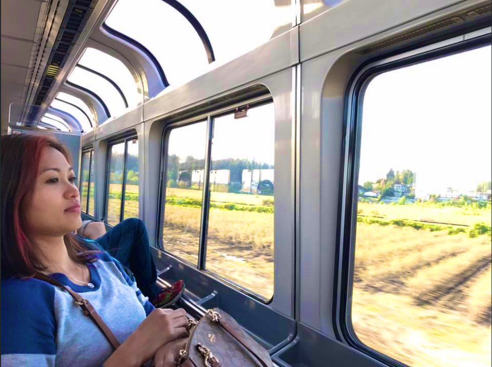 2016: #Thai  woman on a #Seattle  to #Vancouver  train  pic.twitter.com/WWPPH1HAX1
