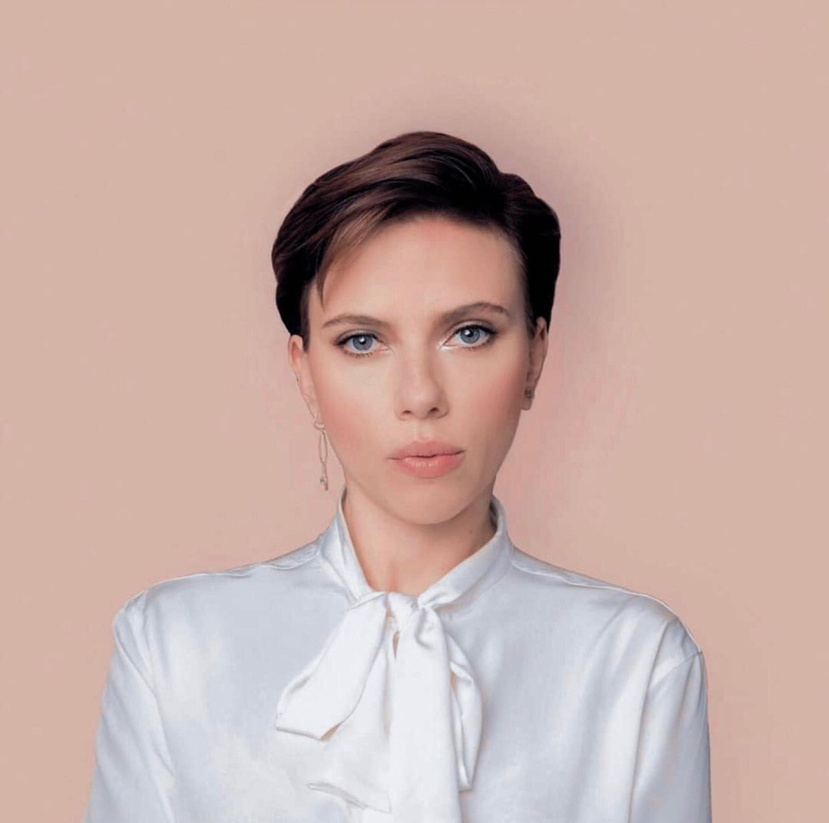 this is the most beautiful thing you will see today  #SCARLETTJOHANSSON pic.twitter.com/IXT09tGVqT