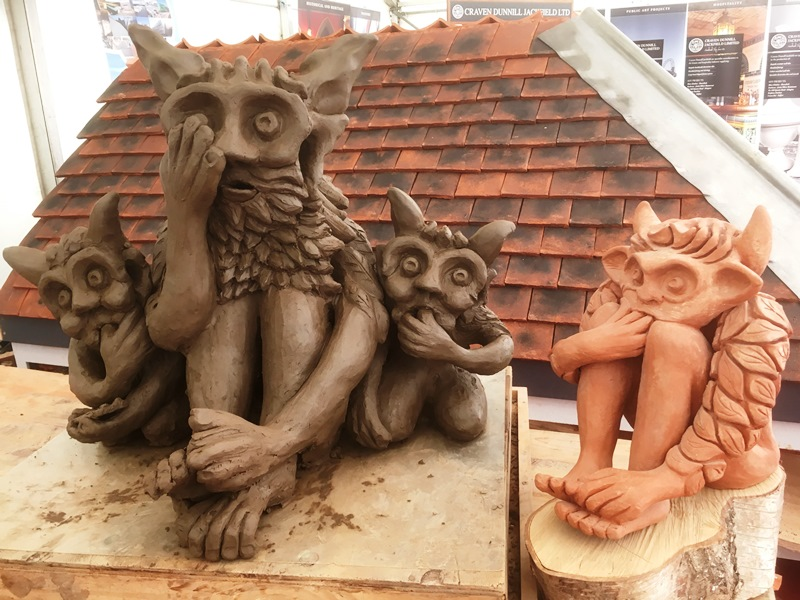 """""""Taught myself what to do it's messing about but it's coming through I'm never quite sure what it's going to be it's always a case of wait and see It's not on the outside it's within have I got the keys to let me in""""  #selftaught #sculptor  #HandmadeHour #Clay #Art #gargoyle #imppic.twitter.com/UUDxmGP8wt"""