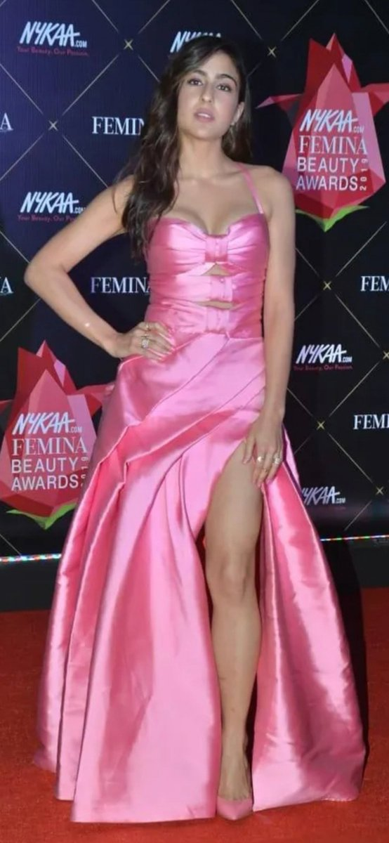 My #Bollywood babe of the day  SARA ALI KHAN  She's such a GORGEOUS, Adorable, Hot and Sexy Talented lady  I  #SaraAliKhan pic.twitter.com/WEWLjvk425