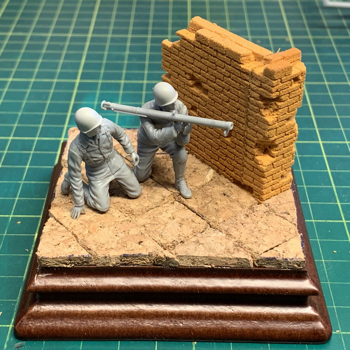 Trying to develop an idea... Any thoughts? #scalemodel #miniatures pic.twitter.com/pVKHlVuFmQ