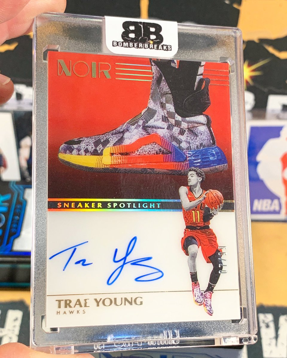 Trae Young BOOM!  Autograph Sneaker Spotlight hitting this afternoon from our @paniniamerica Noir Basketball case breaks!  @TheTraeYoung  #boom #whodoyoucollect #nba #atlantahawks #hawks #noir #traeyoung #thehobby #sneaker #groupbreakspic.twitter.com/4bmxCwszZr