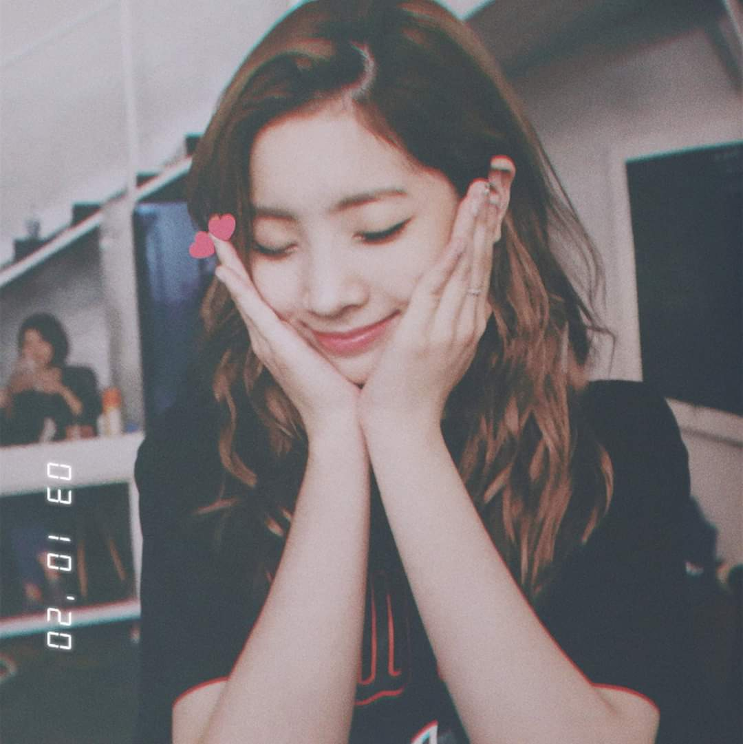 Happy birthday Dahyinie ..Hope the best things will come to you ..LOVE YOU FOREVER  #OurShiningLightDahyun  #MyAngel  pic.twitter.com/8UCHPumZlH