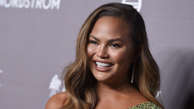 Chrissy Teigen got COVID-19 test in prep for breast implant removal https://t.co/oUvhQ1Rnvf https://t.co/ybCRQb7Wr8