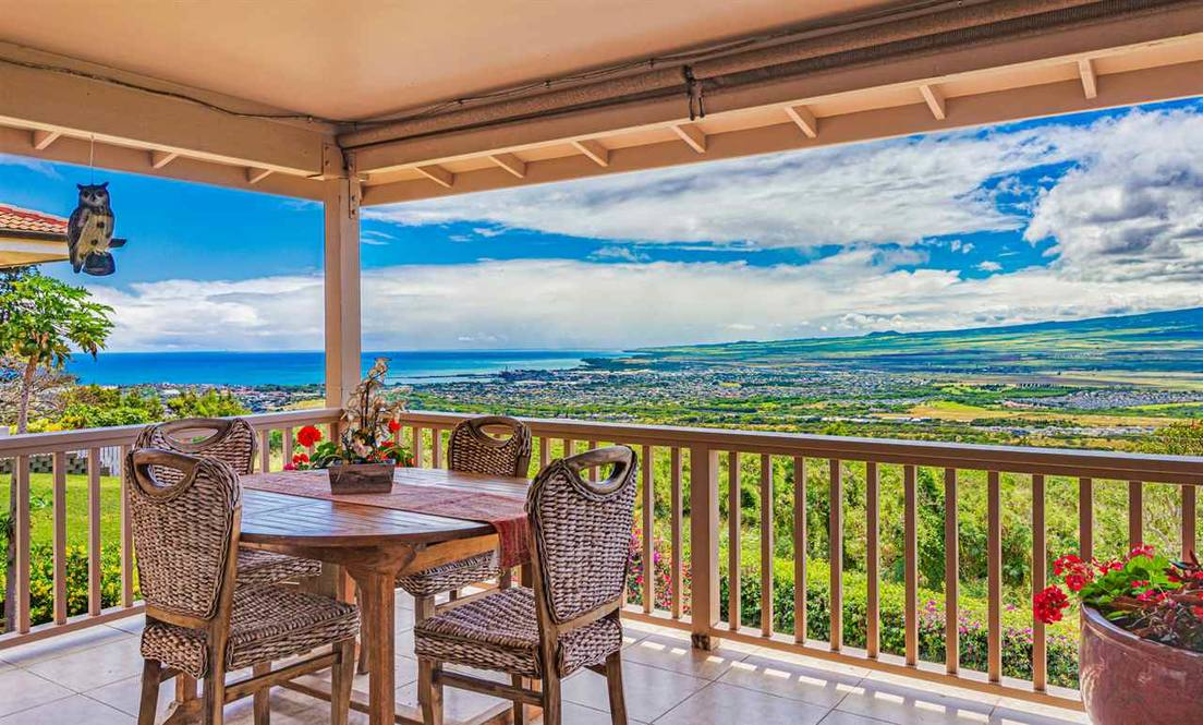 "#JustListed by Jeremy Stice R(B) for $1,425,000 is 675 South Alu Rd in Wailuku on Maui  https://www.hawaiilife.com/jeremystice/listings/675-south-alu-rd-wailuku-hi-96793 …  ""Retreat from wherever you are. Walk in and relax while you breathe in fresh air, & say WOW from this Wailuku Heights completely remodeled masterpiece"" #hawaiilifepic.twitter.com/M0IRuF5nzK"