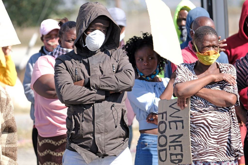 http:// News24.com      | Life has become unbearable for migrants in South Africa amid coronavirus lockdown  https://www. news24.com/SouthAfrica/Ne ws/life-has-become-unbearable-in-south-africa-for-migrants-amid-coronavirus-lockdown-20200527   … <br>http://pic.twitter.com/GNa4hpxIKi