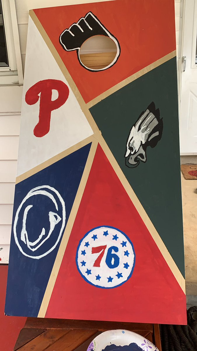 The Cornhole board W or L (painted by me) #FlyEaglesFly #philaunite #phillies #flyers https://t.co/ZYRk82tdBP