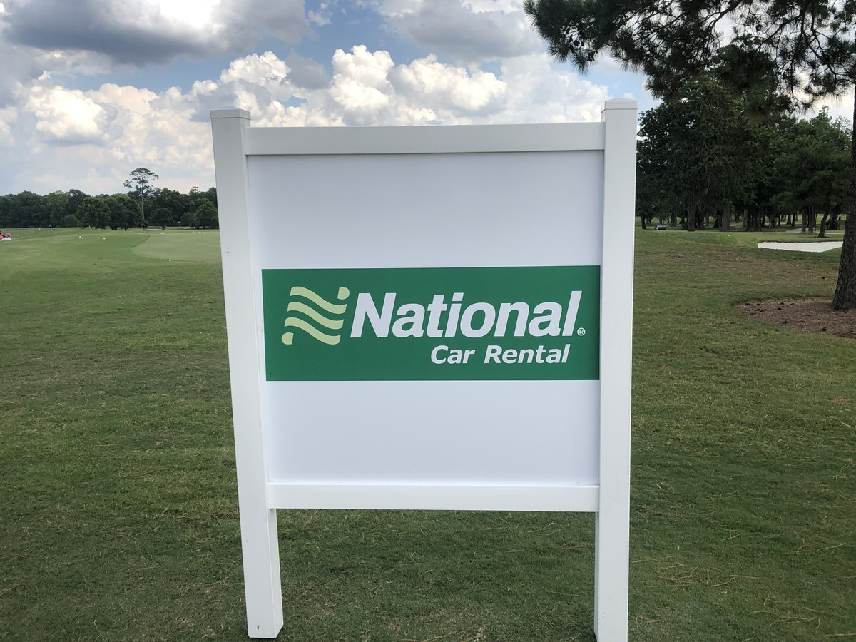 With Round 1 of the @NationalPro STPGA Assistant Professional Championship complete, Carlos Sainz Jr. is leading by 3 strokes with a score of 65 (-7). Click the link below to view the full leaderboard: 🔗bit.ly/2X5LLhZ