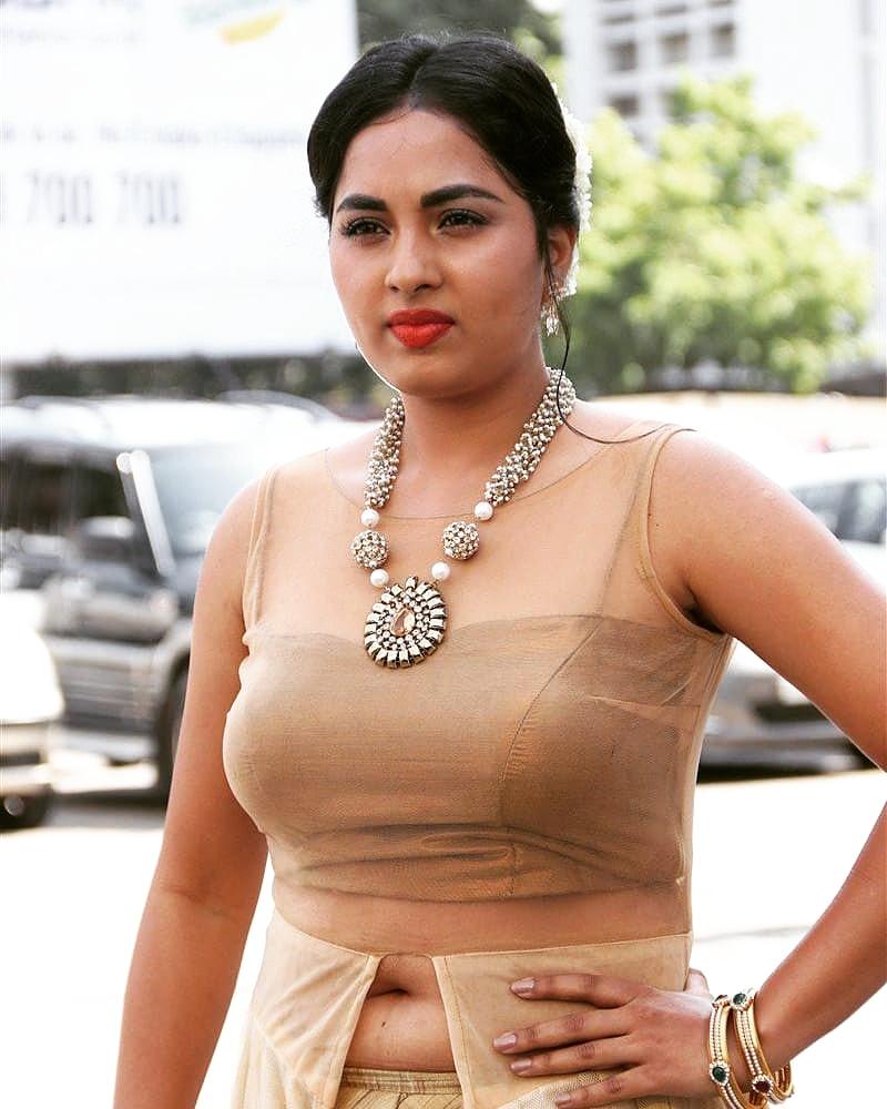 #srushtidange #srushti #srustidange #tamilactress #tamilponnu #kollywoodactress #kollywood #navelbeauty #navel #navelqueen #navelcurve #navelgodess #navelshow #navelworshippic.twitter.com/4xadnofOLd
