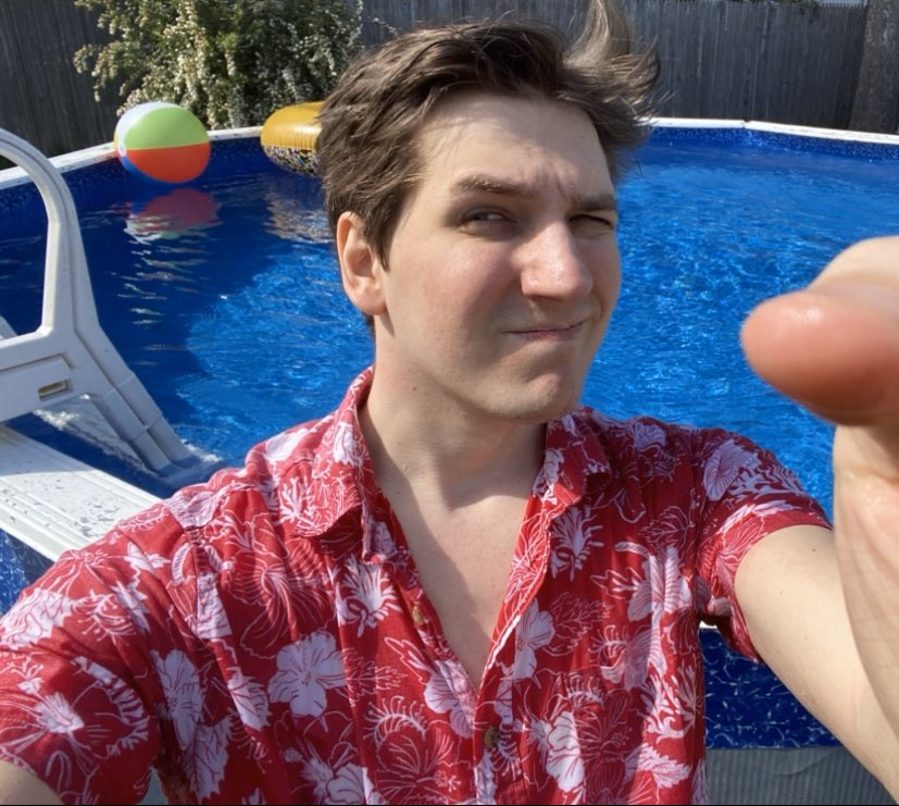 WE OUT HERE   #summer #spring #Springwatch2020 #pool #PoolParty pic.twitter.com/W7mXerUSmL