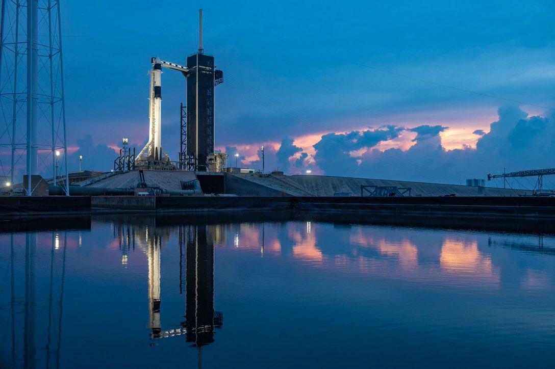 #SpaceX es tendencia ahora porque el lanzamiento fue pospuesto debido al clima para el 30 de mayo a las 3:22 p.m.