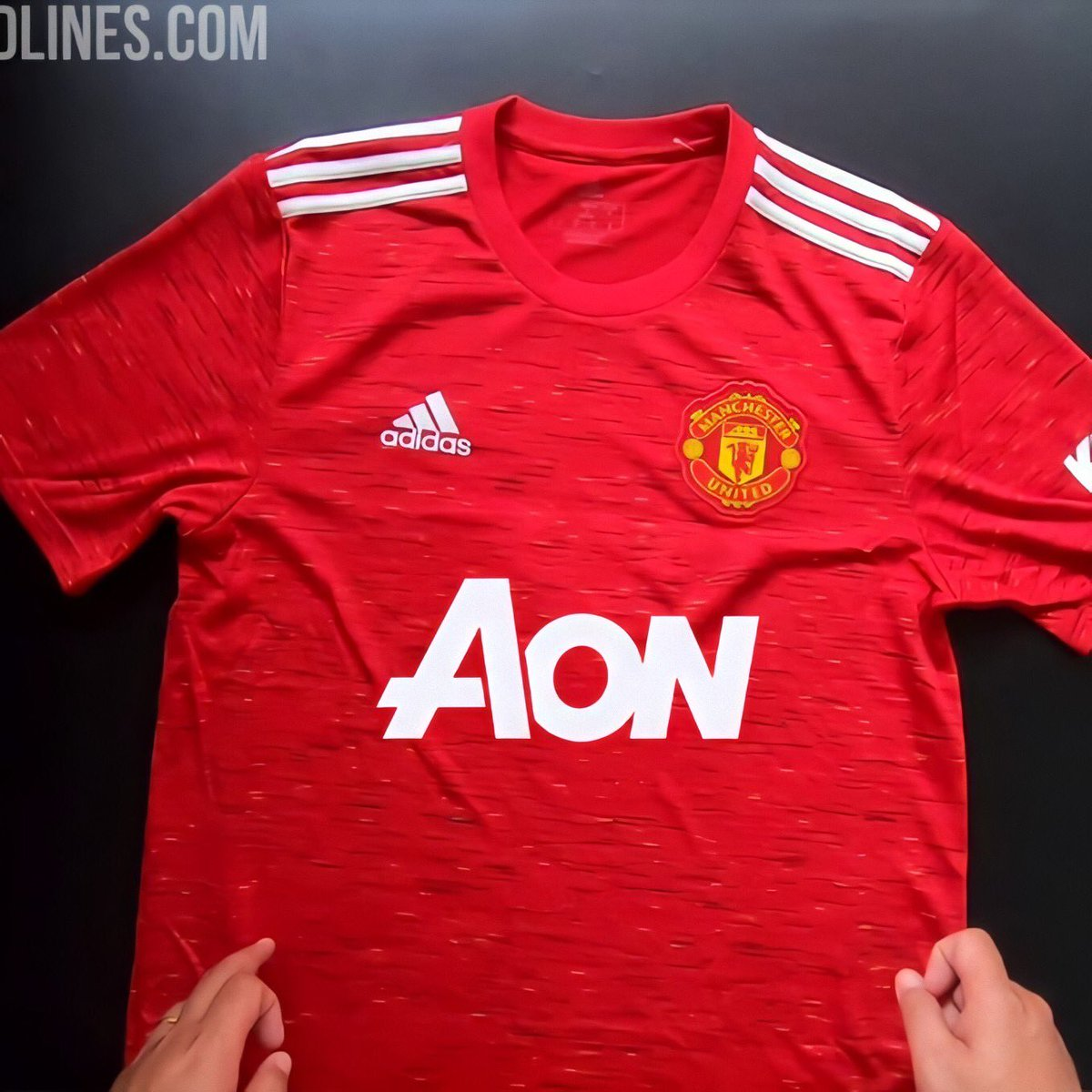 Unpopular opinion but I loved the AON sponsorship. This looks great on the new home kit https://t.co/MJuMMRgBgZ