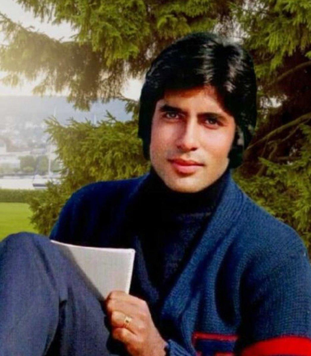 "Amitabh Bachchan on Twitter: ""T 3544 - Srinagar , Kashmir .. film KABHI KABHIE .. and in the shot writing the song 'kabhi kabhi mere dil mein khayal aata hai .. '"