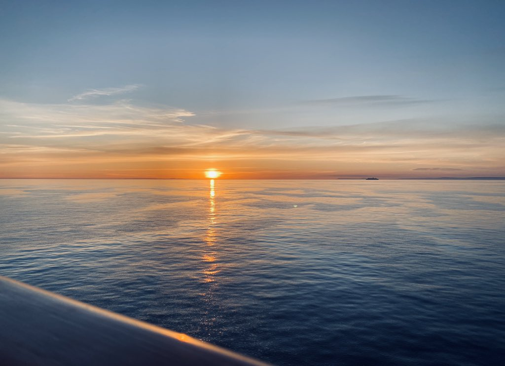 There is nothing like sunsets at sea  Waiting for our Guests to come back, so that we can take them to sea to experience moments like this.  #sea #ocean #travel #sunsets #vacation #adventure #tourism pic.twitter.com/SsIqPAH6LG