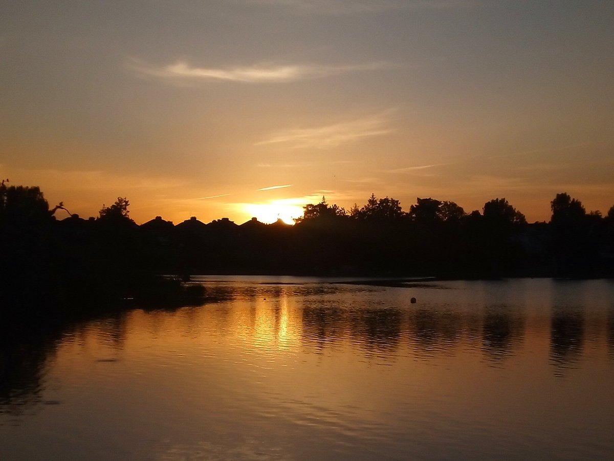 Tonight's #Sunset   #StormHour #Corkpic.twitter.com/vrli9DSKWT – at The Lough