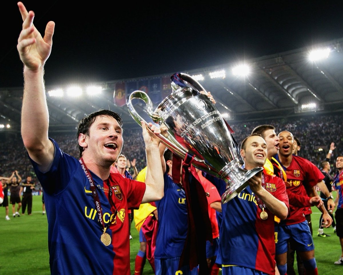 11 years ago today, we achieved the legen.. Wait fot it.. Dary, LEGENDARY treble with style! #FCBlive #fcbarcelona #ViscaBarca pic.twitter.com/OrgbHtkr83