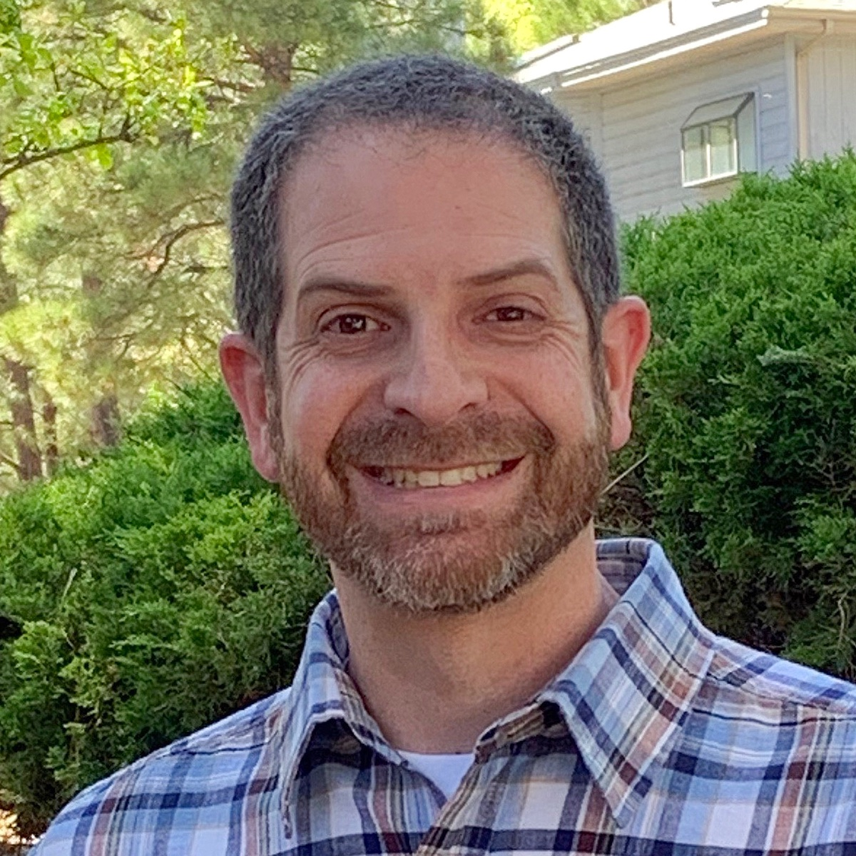 CCC Spotlight: @CoconinoCC Biology faculty Doug Friedman is selected the 2020-21 Full-Time Faculty of the Year. #CCCStellar #communitycollege #CCCWorking4You #students https://t.co/qZeKFRpegZ https://t.co/0szs8ifIUR