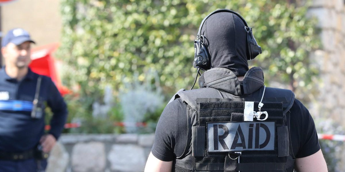 Un propagandiste dultradroite en garde à vue antiterroriste lejdd.fr/Societe/un-pro…