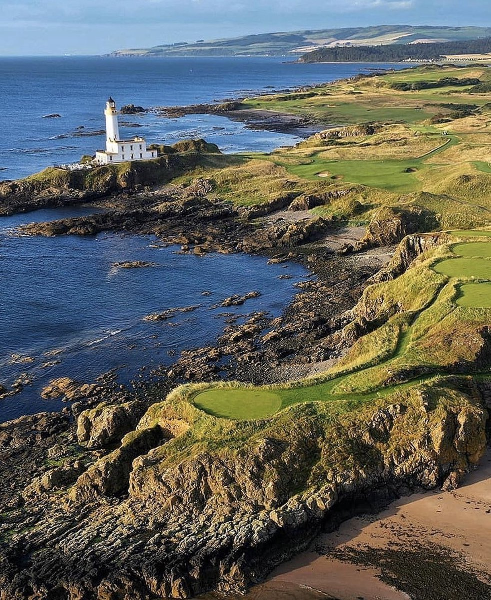 Congratulations to @TrumpTurnberry on being awarded the #1 golf course in the entire U.K. and Ireland for 2020! @GolfWorldMag