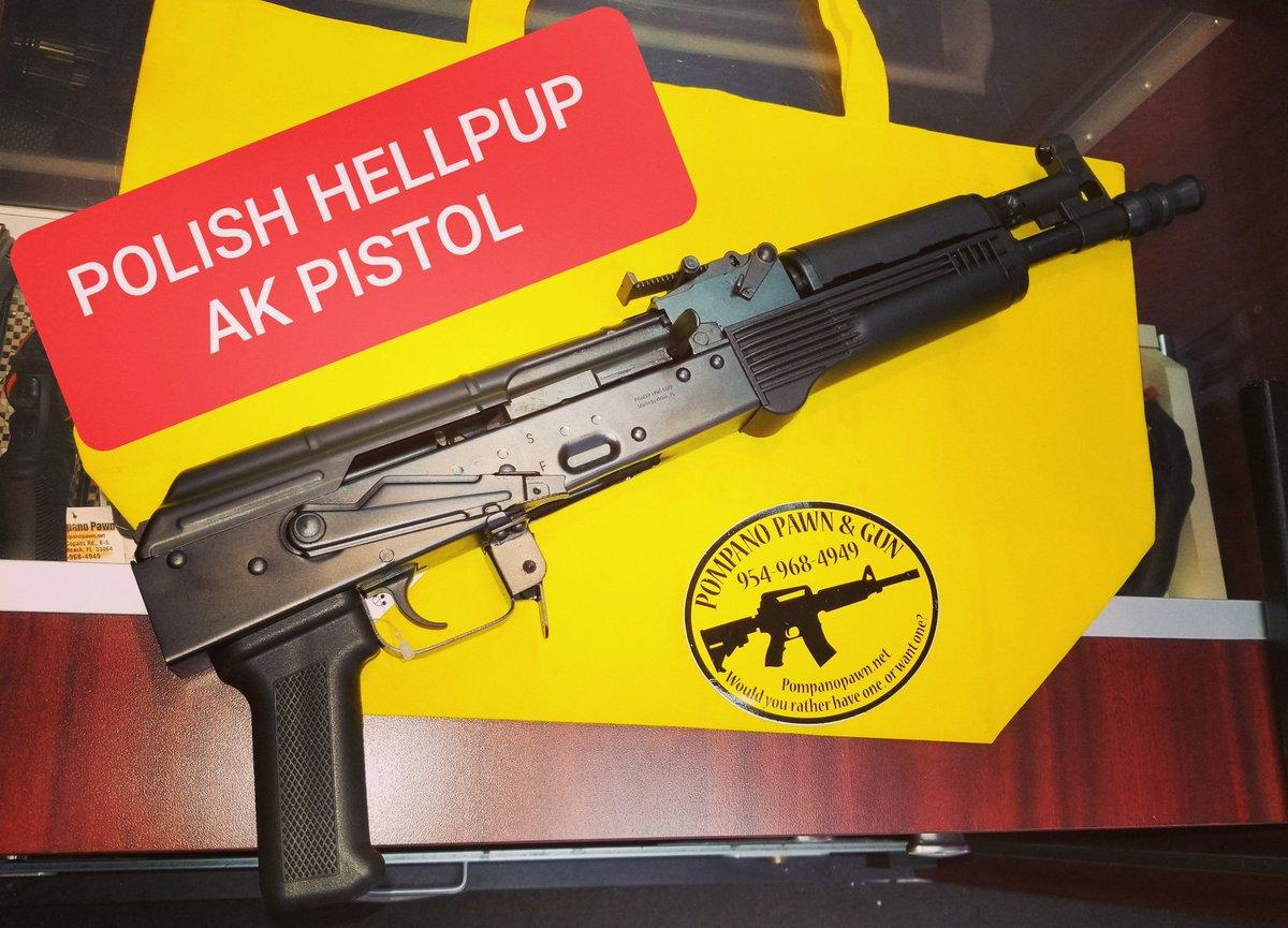Polish Hellpup AK Pistol  . . . #akpistol #pompanopawn #hellpup #2ndamendment #gunsofinstagram #godblessamerica #proudamerican #ak #7.62x39pic.twitter.com/QwYAeaHzIV