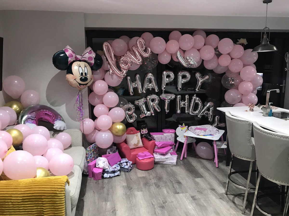 117 balloons. DONE! 😤 Ready for the birthday girl in the morning. 💗💗💗