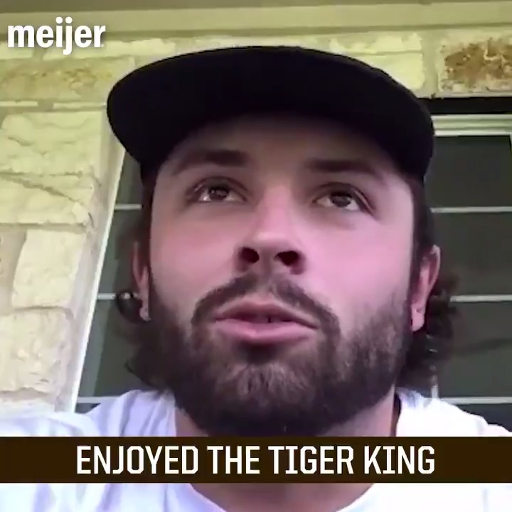 Golf ☑️ Tiger King ☑️ Heated board games ☑️ When @bakermayfield isnt working out and prepping for the season, hes keeping himself pretty busy 🏌️♂️