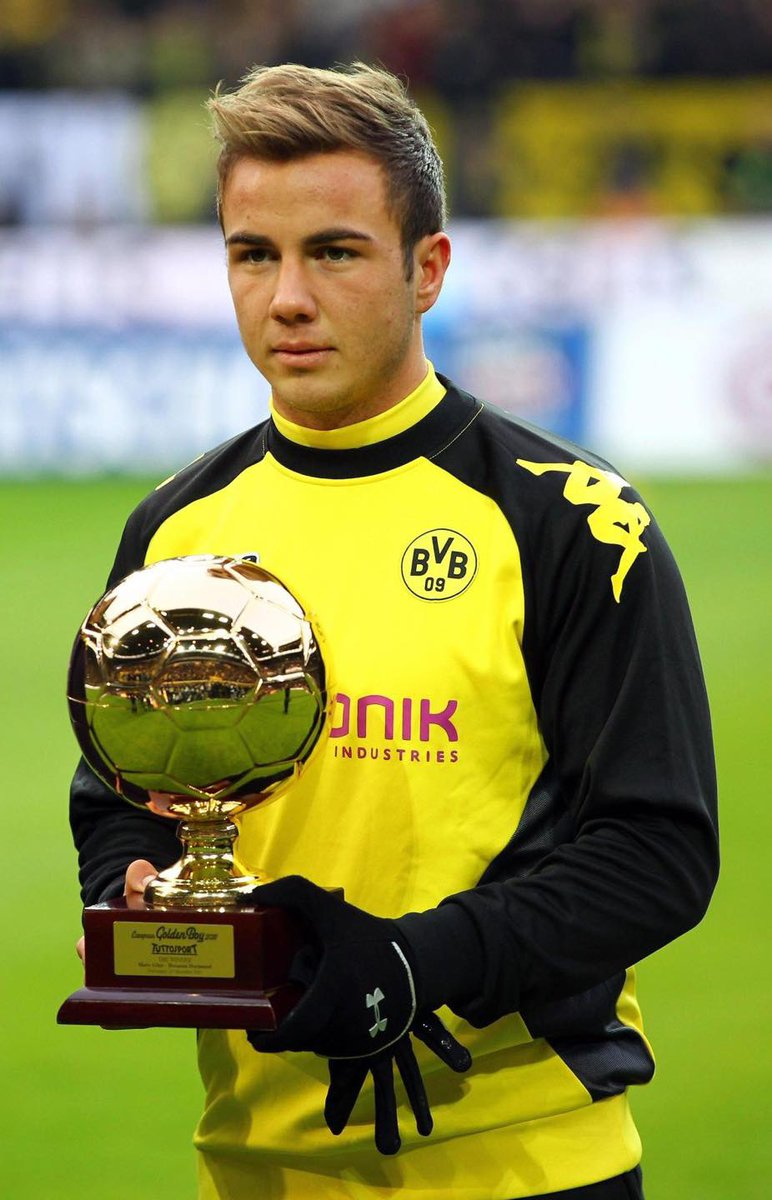 In 2010/11, at just 18-years old, Mario Götze played a vital role in Borussia Dortmund winning Bundesliga under Jürgen Klopp with 17 goal contributions in 28.1 90s. In 2014, he scored the winner in the World Cup Final.  In 2020, he is being released on a free before he's 28. <br>http://pic.twitter.com/gTXNufIW9s