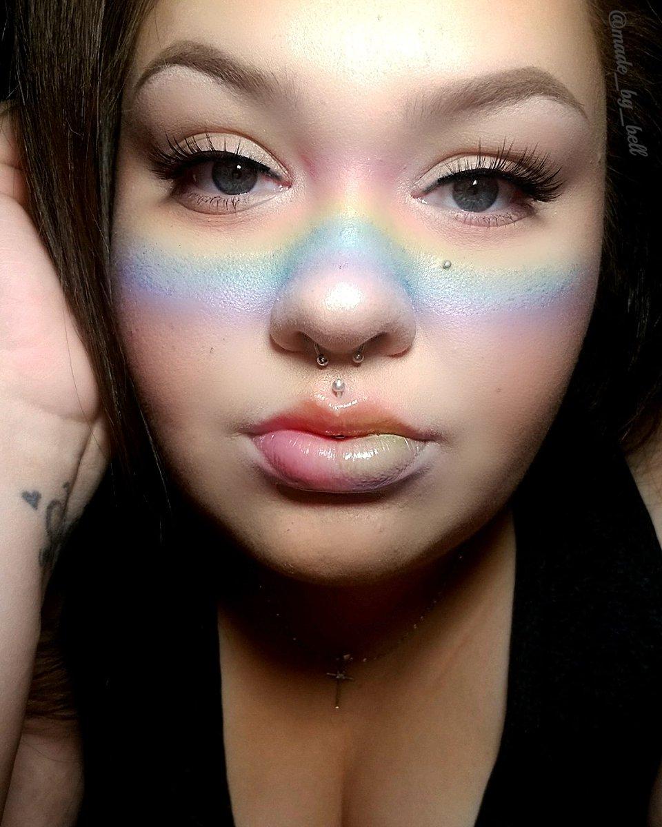 @NyxCosmetics FOUNDATION  @PrettyVulgar BLUSH  @LauraGeller BAKED FOUNDATION  @JeffreeStar JAWBREAKER  @elfcosmetics EYEBROW PENCIL  #makeup #mua #beauty #makeupaddict #eyelashes #makeupjunkie #makeuplover #makeupstudio #wakeupandmakeup #undiscovered_muas #eyeshadow pic.twitter.com/kn36YvU19I