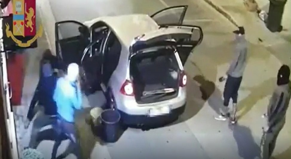 Marano, furti nei negozi: ecco dove agirono i ladri arrestati oggi - TERRANOSTRA | NEWS https://t.co/Bq4I2acqhJ https://t.co/gOKkRjB3qh