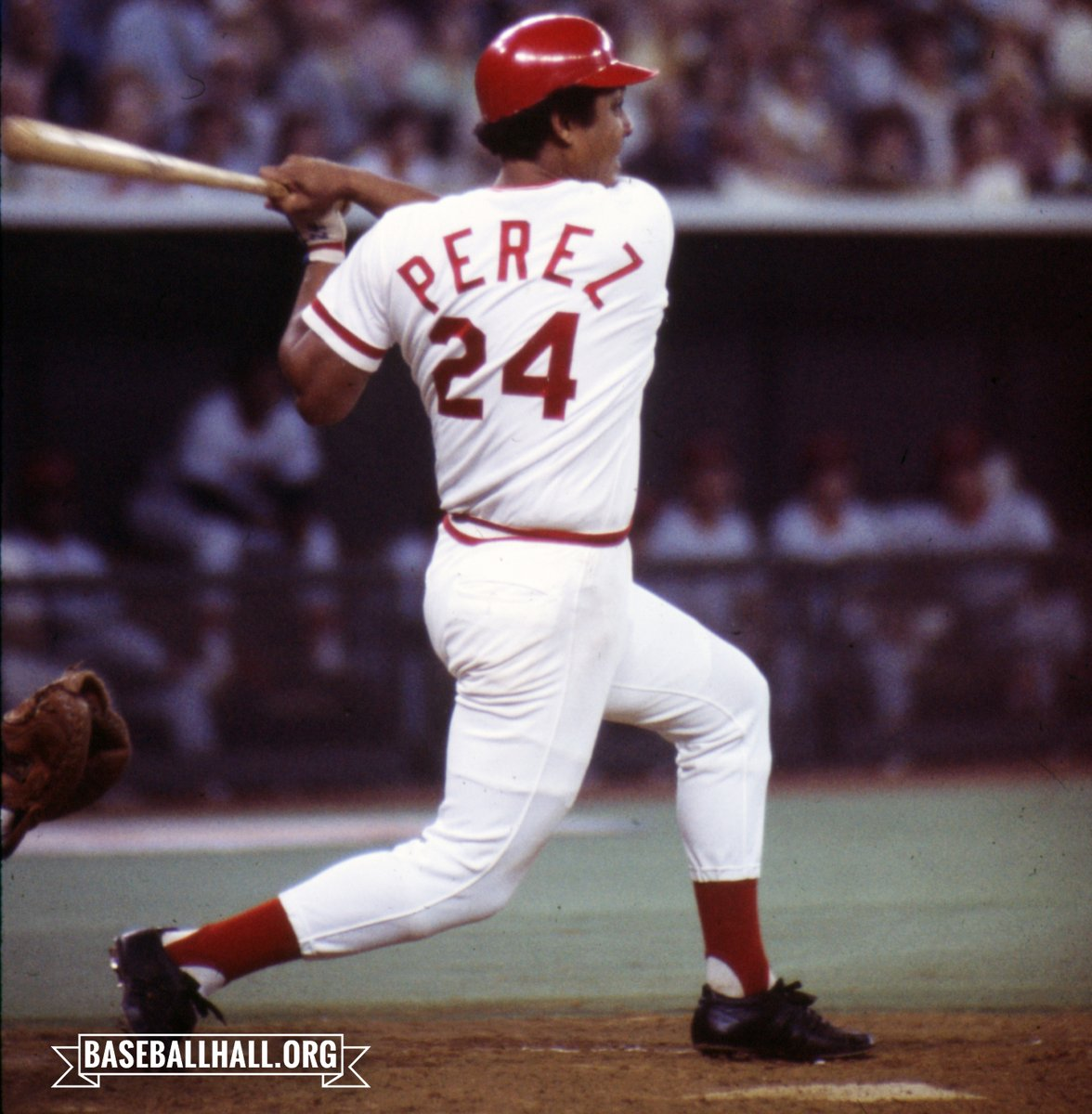 20 years ago today, the @Reds retired #24 in honor of Hall of Famer Tony Pérez. Another famous #24, Ken Griffey Jr., agreed to switch his number to 30, in homage to his father and former Big Red Machine standout Ken Griffey Sr. Photo: Dick Raphael pic.twitter.com/3ghYe0XyFL