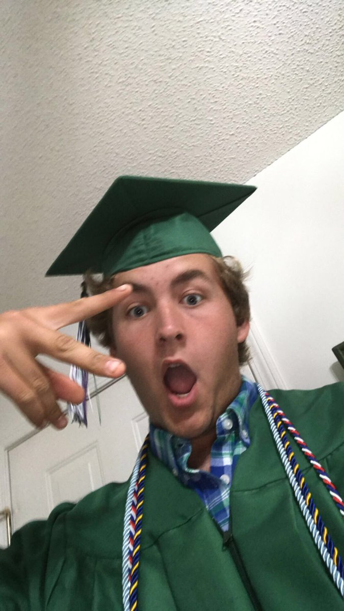 You Did It Bro!!!! Today Leighton Graduated from High School!! You have no idea how proud we all are of you!! The Best Is Yet To Come!!! #ClassIf2020! #SeniorYear! #LakewoodHighSchool! #LakewoodGators!!! pic.twitter.com/O2BzrYHJf6