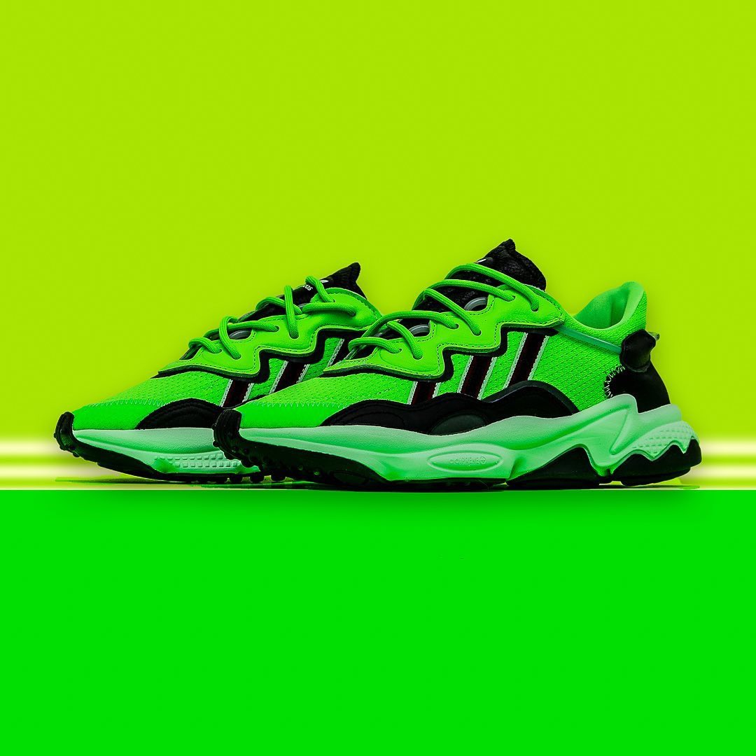 Adidas Ozweego - solar Green / Core black/Glow Green  Available online now at urbanstyle   Dm to shop now pic.twitter.com/J1zWOhMIHk