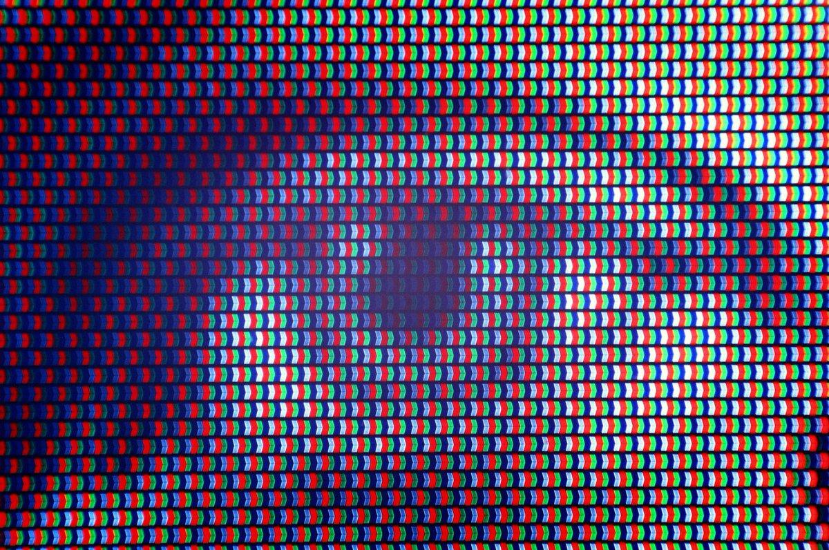 Macro Pixels | Nikon F6, E100VS, 28mm 2.8 AIS. Fun test shot of a 4K TV with a reverse macro adapter #analog #analogue #analogfilm #analogphoto #film #filmphoto  pic.twitter.com/4k5pPx11pS  by Analog Process