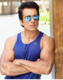 @SonuSood you are a real hero of our country. India always proud of you sir . There's many actors in our indianfilm industry but u are a such a great actor sir. Salute hai appko pic.twitter.com/PANg1RAogk