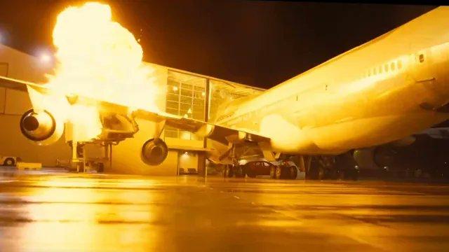 『TENET テネット』ノーラン監督、VFXより容易だからと本物のジャンボジェットを爆破