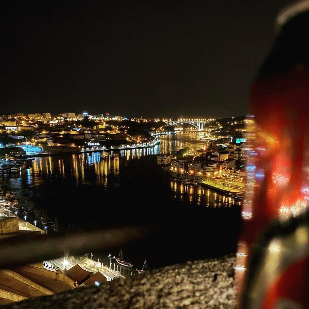 Good nights, good memories.. #porto #serradopilar #iphone11pro https://instagr.am/p/CAtfT1-HEaP/pic.twitter.com/xqOD8wFanY